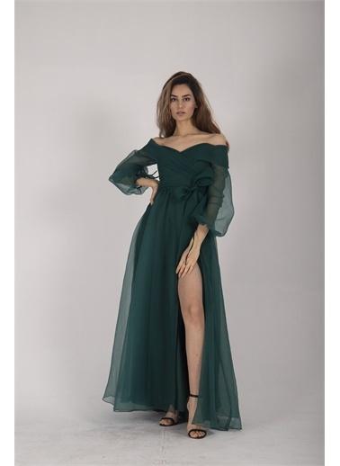Belamore  Zümrüt Kayık Yaka Yırtmaçlı Abiye & Meznuiyet Elbisesi 1301583.123 Yeşil